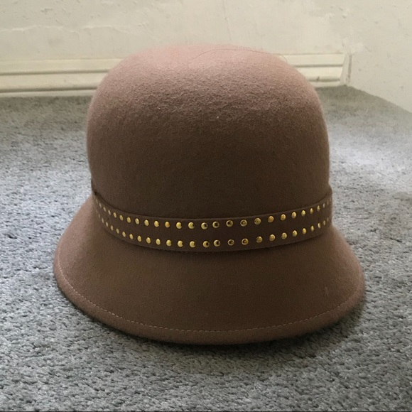 Tan Women s Cloche Bell Derby Hat MUST GO aee2ac5952b2